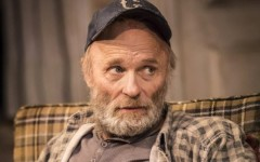 Ed-Harris-2-in-Buried-Child-Trafalgar-Studios-photo-Johan-Persson-549x357